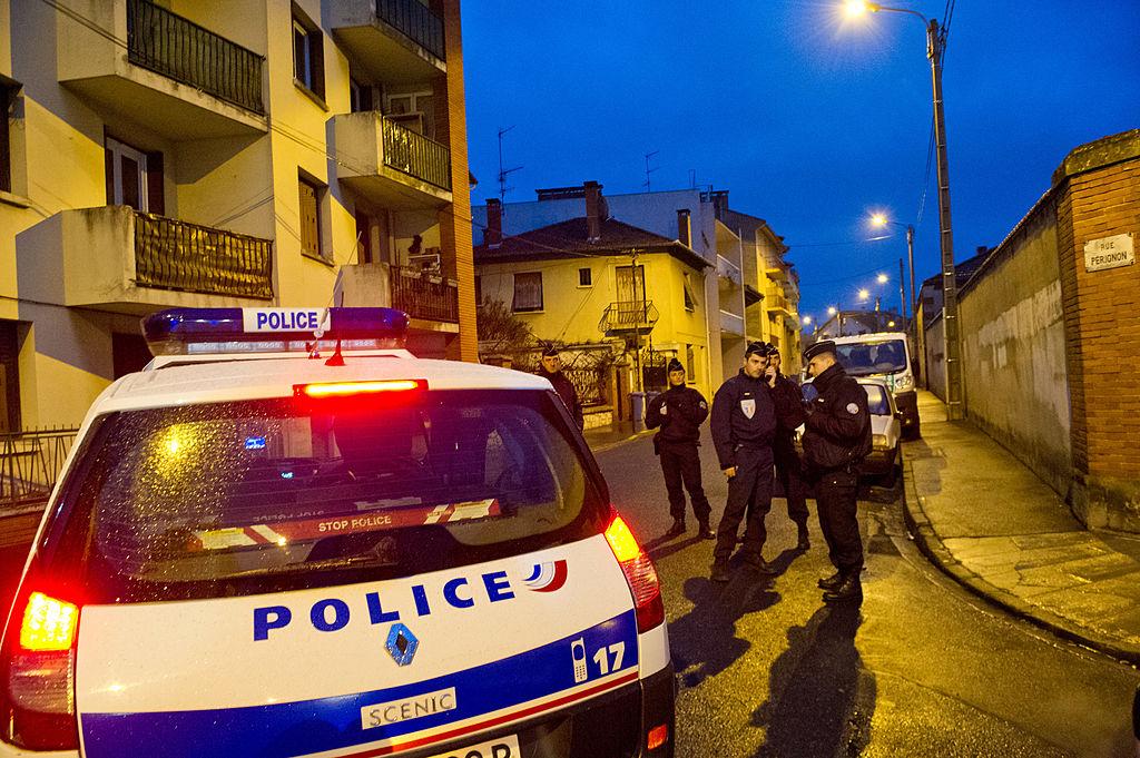4 români, prinși în timpul unui jaf în Franța. Sunt acuzați de peste 200 de spargeri