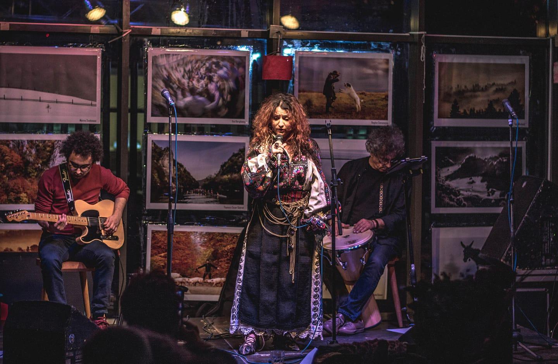 """Concert conceptual de folclor, interpretat """"altfel"""" la Teatrul Național, cu Alina Ciolcă și Grigore Leșe"""