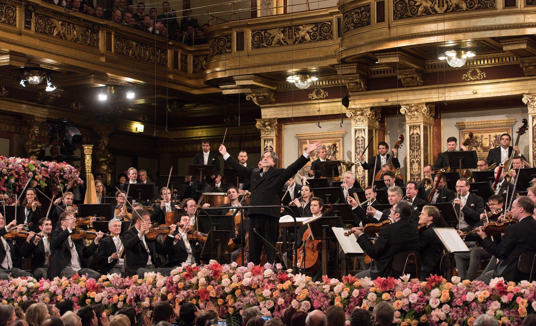 Cum puteți urmări online Concertul de Anul Nou al Filarmonicii din Viena. Spectatorii pot aplauda de acasă
