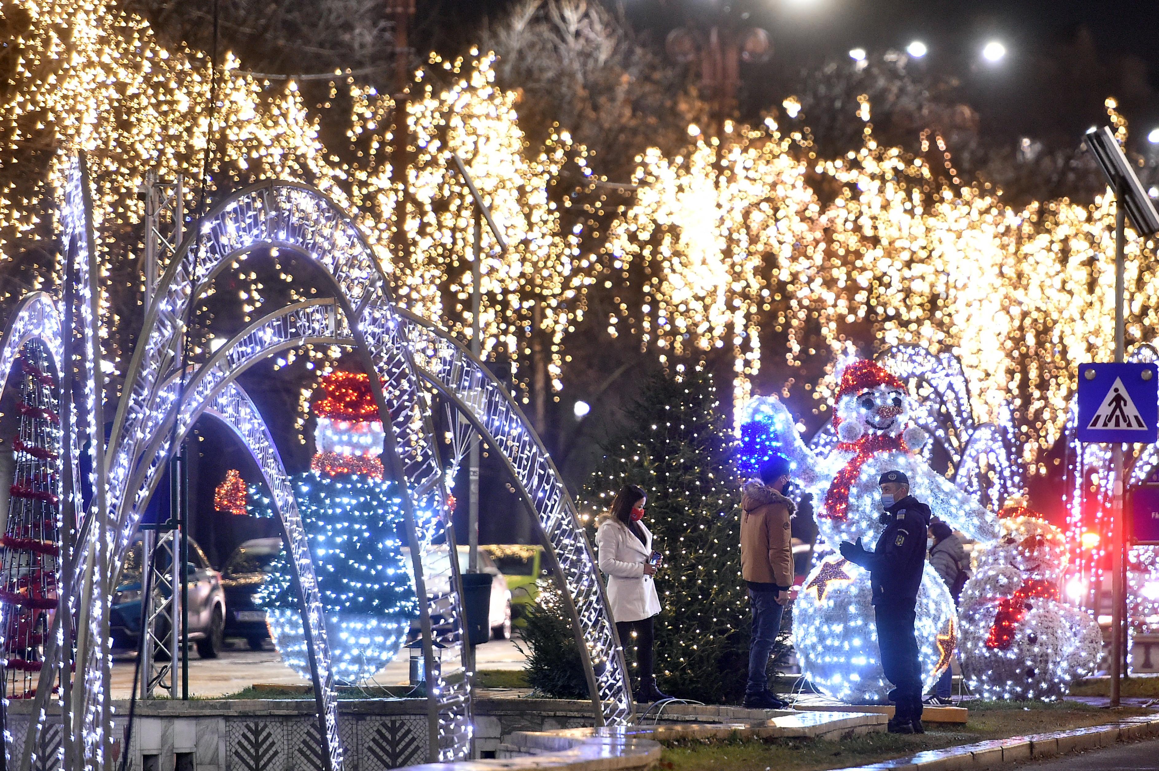 MAI: Sute de petreceri ilegale de Revelion, aproape 4.000 de amenzi pentru nerespectarea regulilor