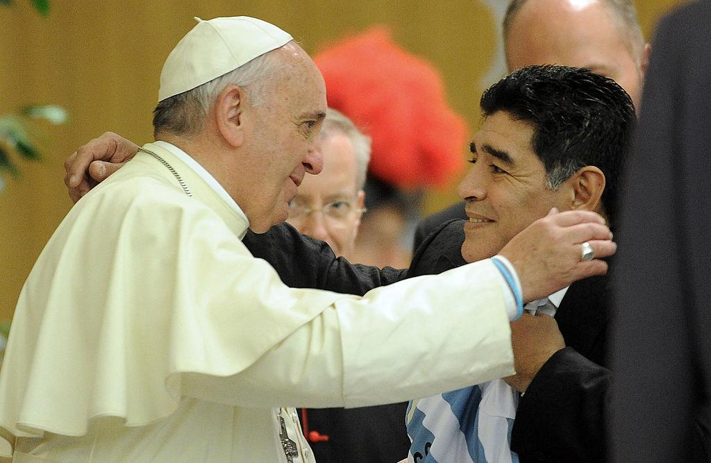 """Ce a spus Papa Francisc despre Maradona: """"Pe teren a fost un poet"""". Mesajul ciudat al Suveranului Pontif"""