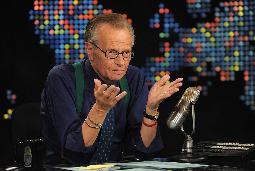 Legendarul om de televiziune Larry King a murit după ce s-a infectat cu Covid-19