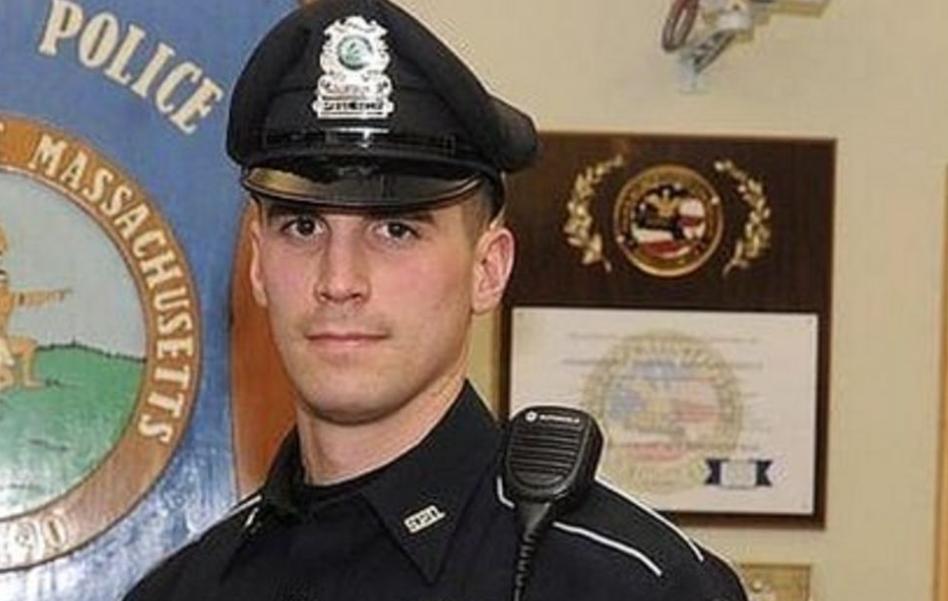 Un polițist a plătit alimentele pentru două femei și familia lor, în loc să le acuze de furt