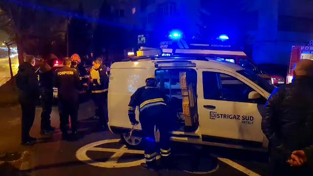 Panică într-un bloc din Pitești. Un bărbat a tăiat furtunul de la instalația de gaz, provocând un incendiu
