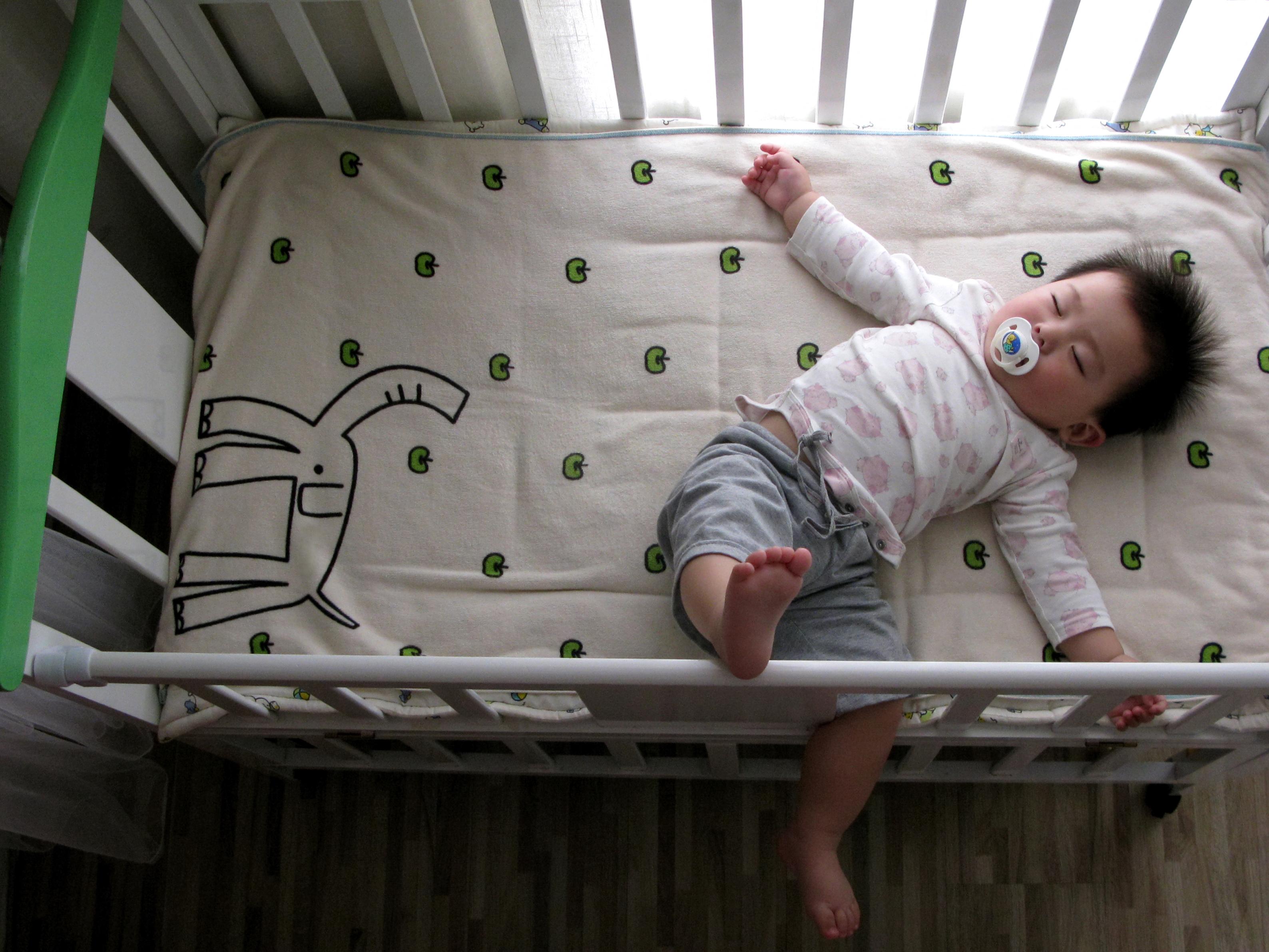 Au adoptat un bebeluș, despre care au crezut că este chinez. Ce au descoperit 17 ani mai târziu