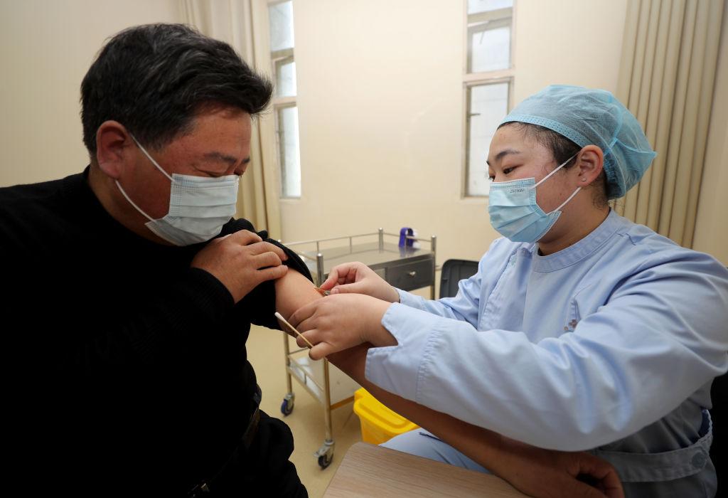 Producător: Vaccinul chinezesc este eficient împotriva noilor tulpini de coronavirus