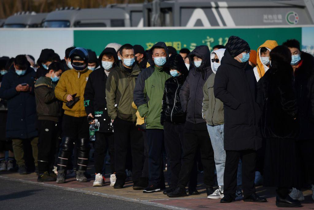 Vaccinare pe scară largă în Beijing. China a raportat 33 de noi cazuri de infectare, un record în ultimele 2 luni