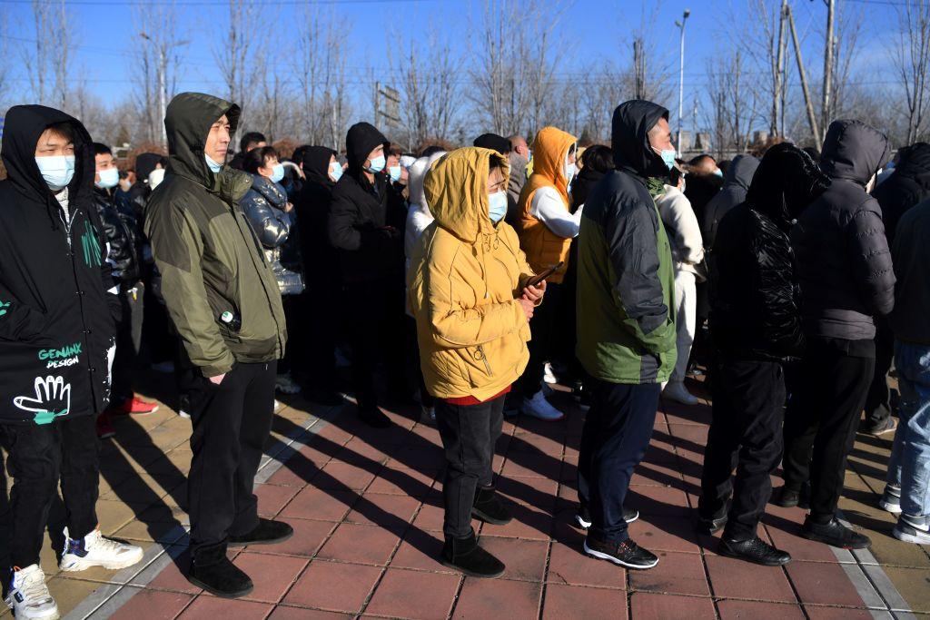 China a început să folosească prelevări anale pentru testele Covid-19. Care sunt persoanele vizate