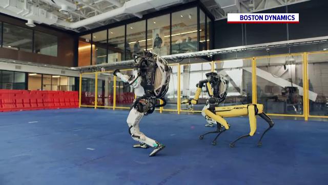 O filmare cu roboți industriali care dansează a devenit virală pe internet