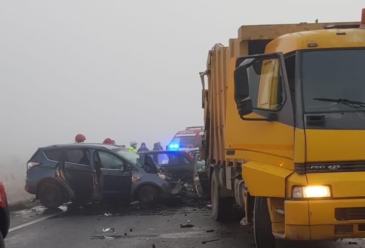 Accidente în lanț pe centura ocolitoare a Brașovului. 23 de autovehicule au fost implicate
