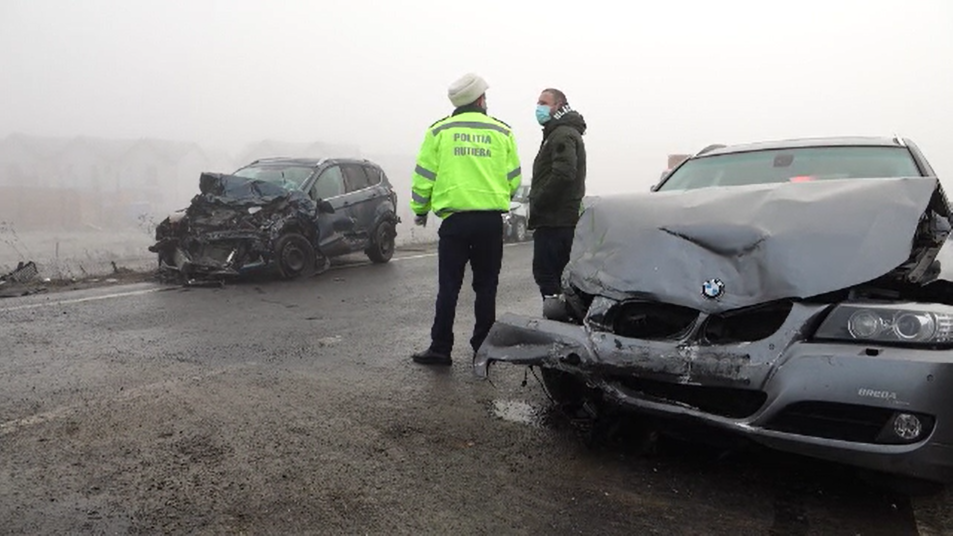 Carambol pe şoseaua ocolitoare a Brașovului. 23 de maşini au fost distruse