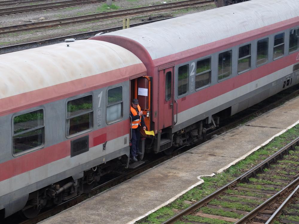 Noi reguli pentru călătoriile cu trenul. Situația în care călătorii își pot primi înapoi banii plătiți pe bilet