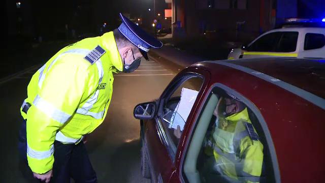 Un şofer a fost depistat în trafic fără permis şi băut. După 6 ore a fost prins și drogat