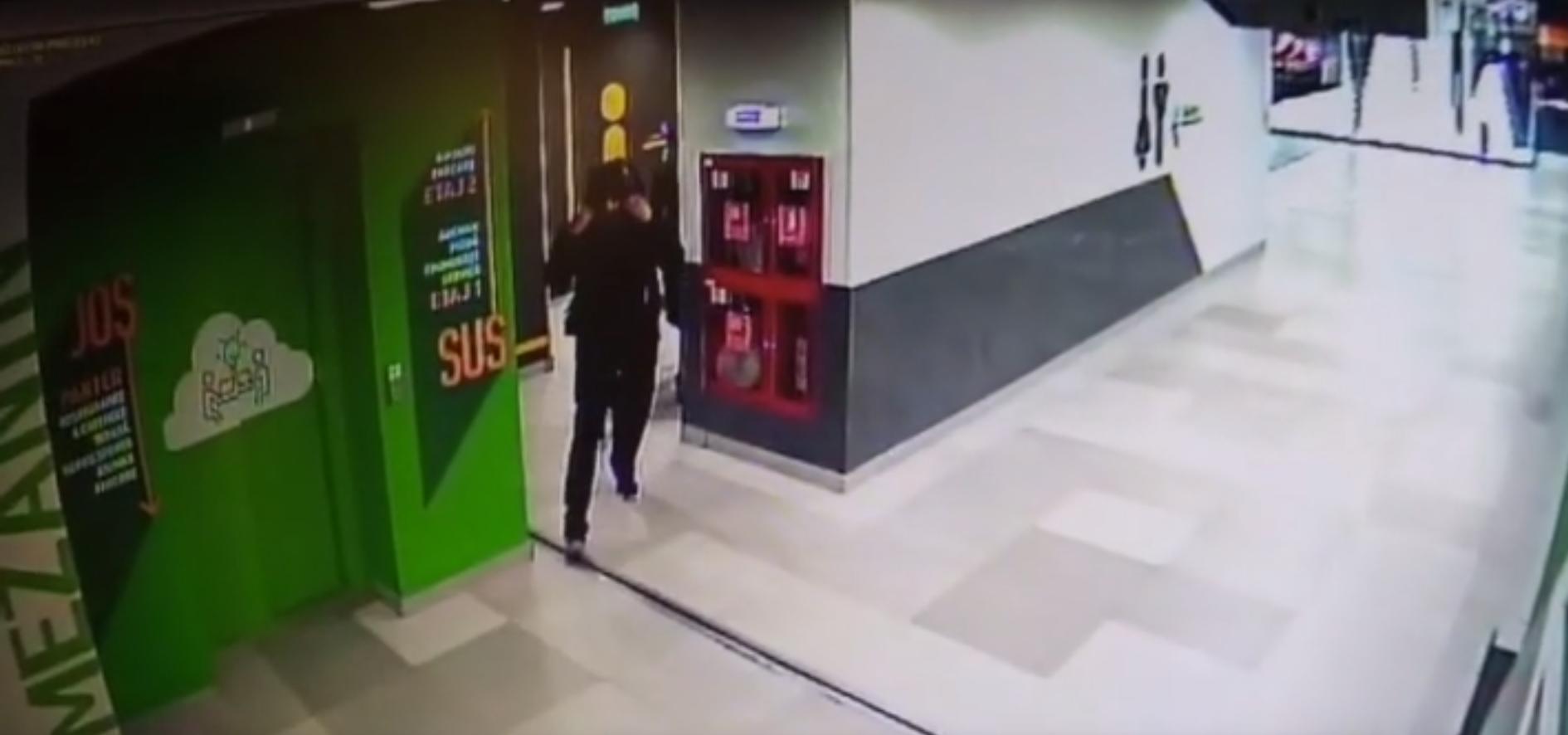 Un bărbat care a încercat să violeze o femeie în toaleta unui mall din București a fost arestat