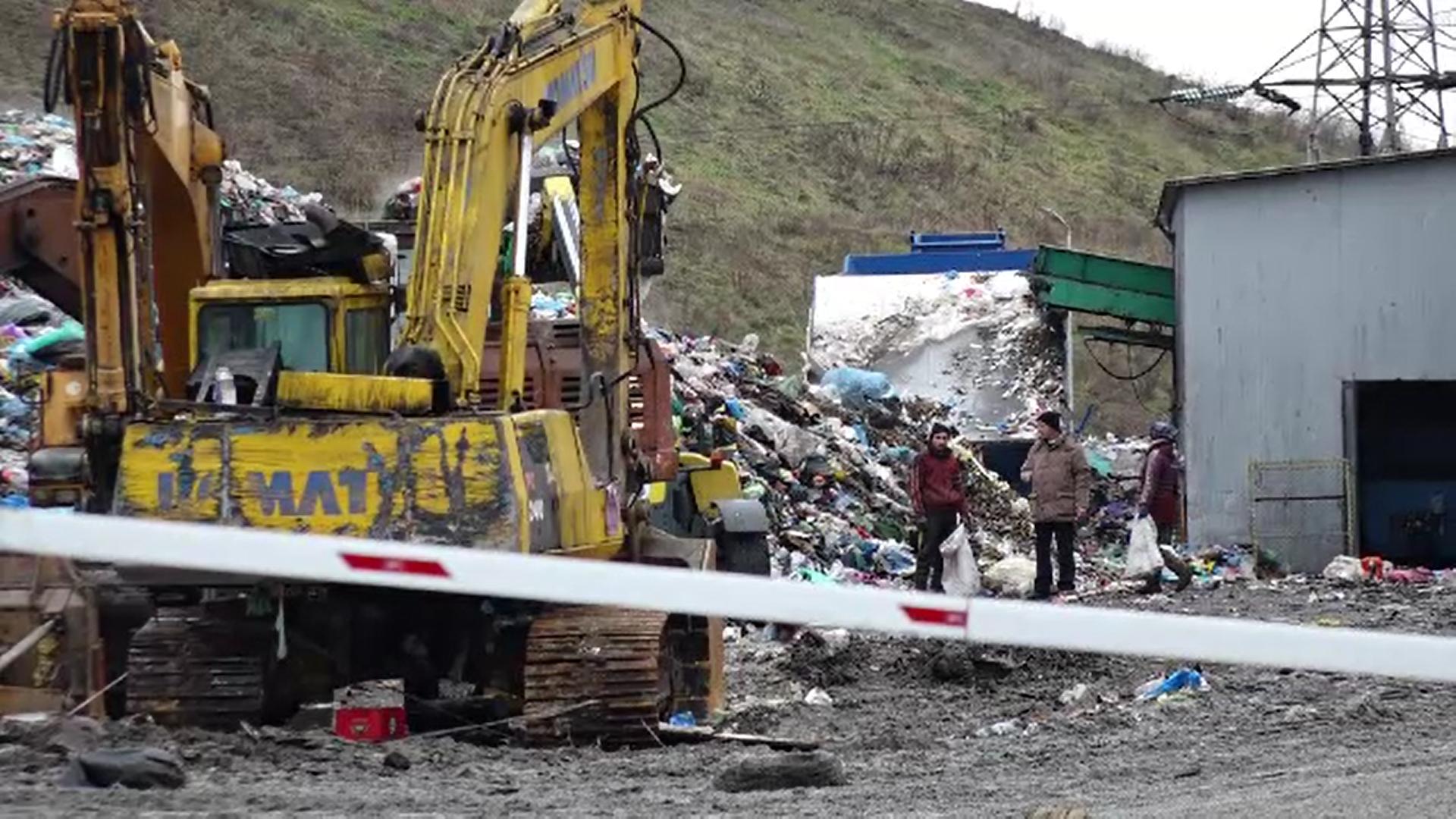 Proteste într-un sat din Maramureș după ce autoritățile au anunțat construirea unei gropi de gunoi