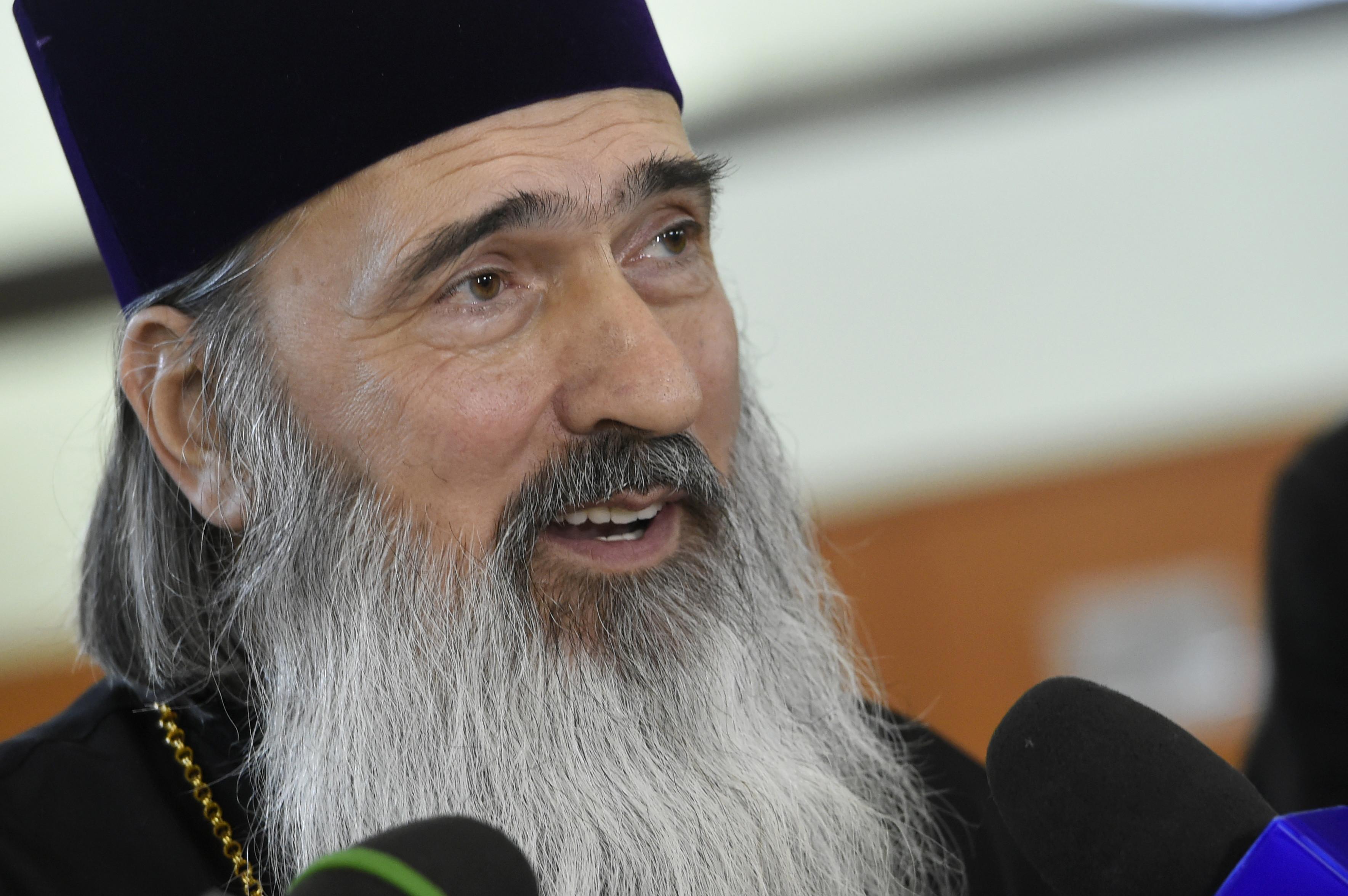 Arhiepiscopia Tomisului sare în apărarea lui Teodosie: Nu există doctorate plagiate sub îndrumarea sa