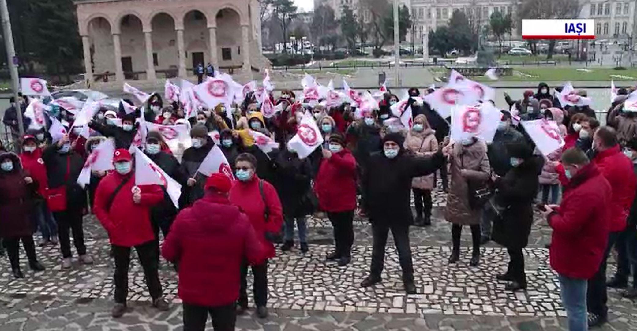 Proteste ale angajaților din sistemul sanitar în mai multe orașe din țară. Ce solicitări au aceștia