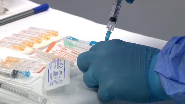 Eforturi uriaşe în toată ţara pentru etapa 2 de vaccinare. Se găsesc greu spaţii şi personal