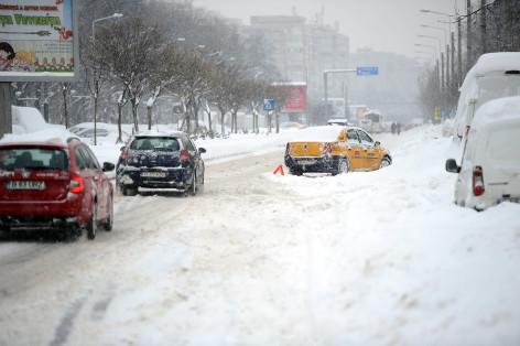 Vremea azi, 14 ianuarie. Ninsori în majoritatea zonelor. Vântul se înteţeşte la altitudini mari