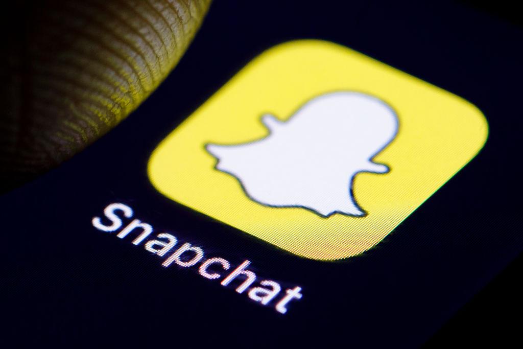 Snapchat se alătură platformelor care iau măsuri împotriva lui Trump și îi blochează permanent contul
