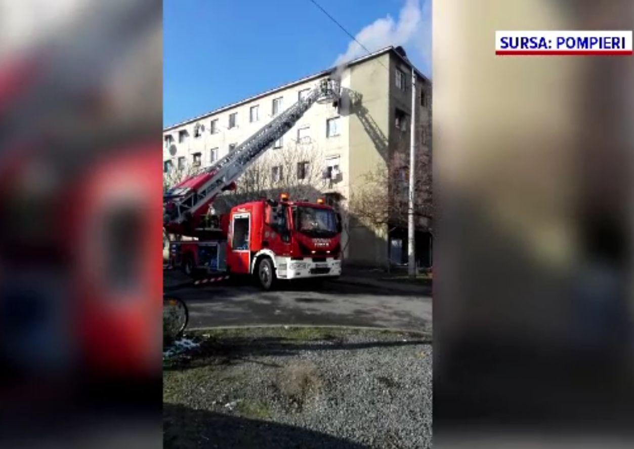 Incendiu produs într-o garsonieră din Arad. De la ce a pornit focul