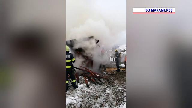 Incendiu misterios, în Maramureş. Pompierii nu ştiu de la ce ar fi putut porni