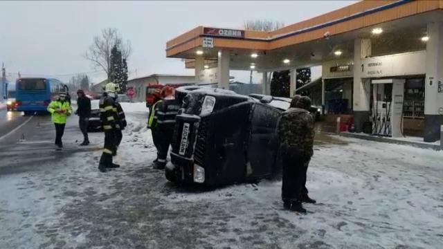 Doi şoferi erau să distrugă o benzinărie din Bistriţa. Doar zidul de protecţie a evitat un dezastru