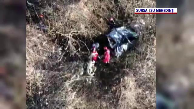 Un bărbat a supraviețuit în mod miraculos după ce a căzut cu mașina 40 de metri de pe un viaduct pe malul Dunării