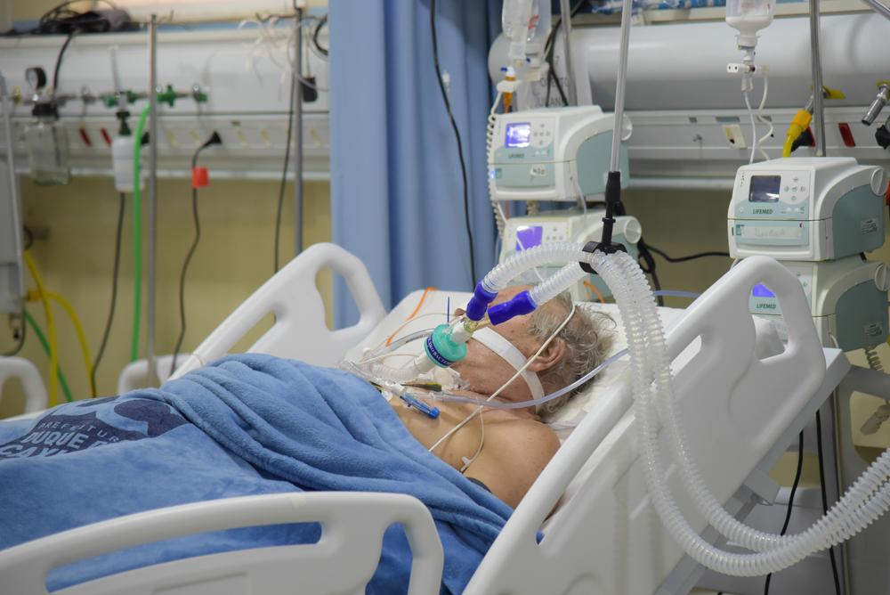 Studiu: O treime dintre pacienții vindecați de COVID revin în spitale cu alte boli. Unul din opt moare