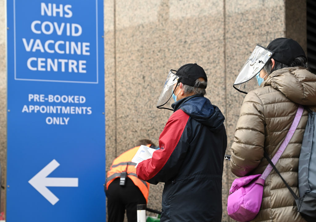 Anunț bulversant din Marea Britanie. Câți oameni se infectează zilnic cu noua tulpină a SARS-CoV-2
