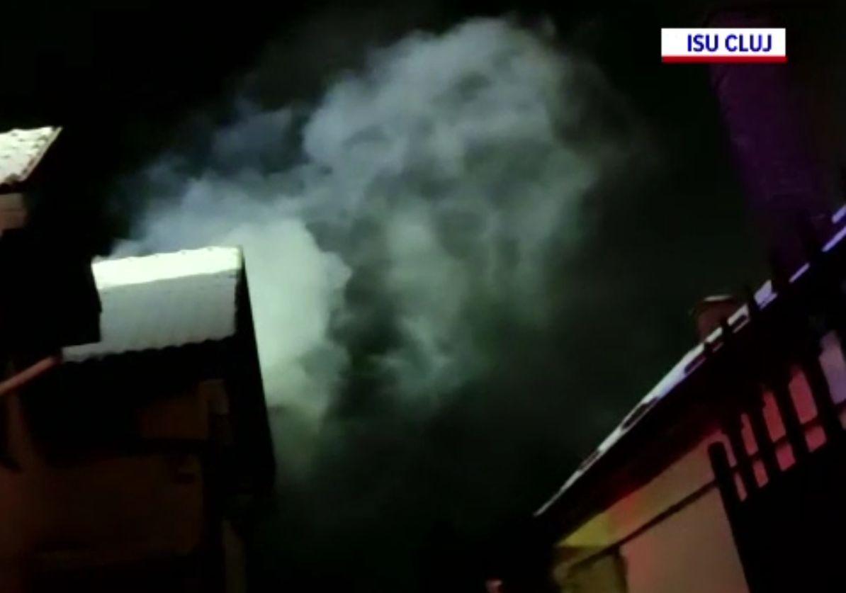 Incendiu într-o gospodărie din Cluj. Focul a fost stins in trei ore