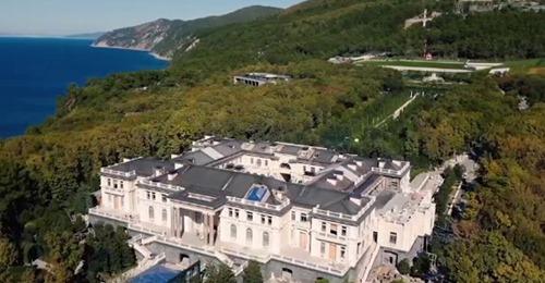 """Cum arată """"Palatul lui Putin"""". Proprietatea de pe Malul Mării Negre este de 39 de ori mai mare decât Monaco"""