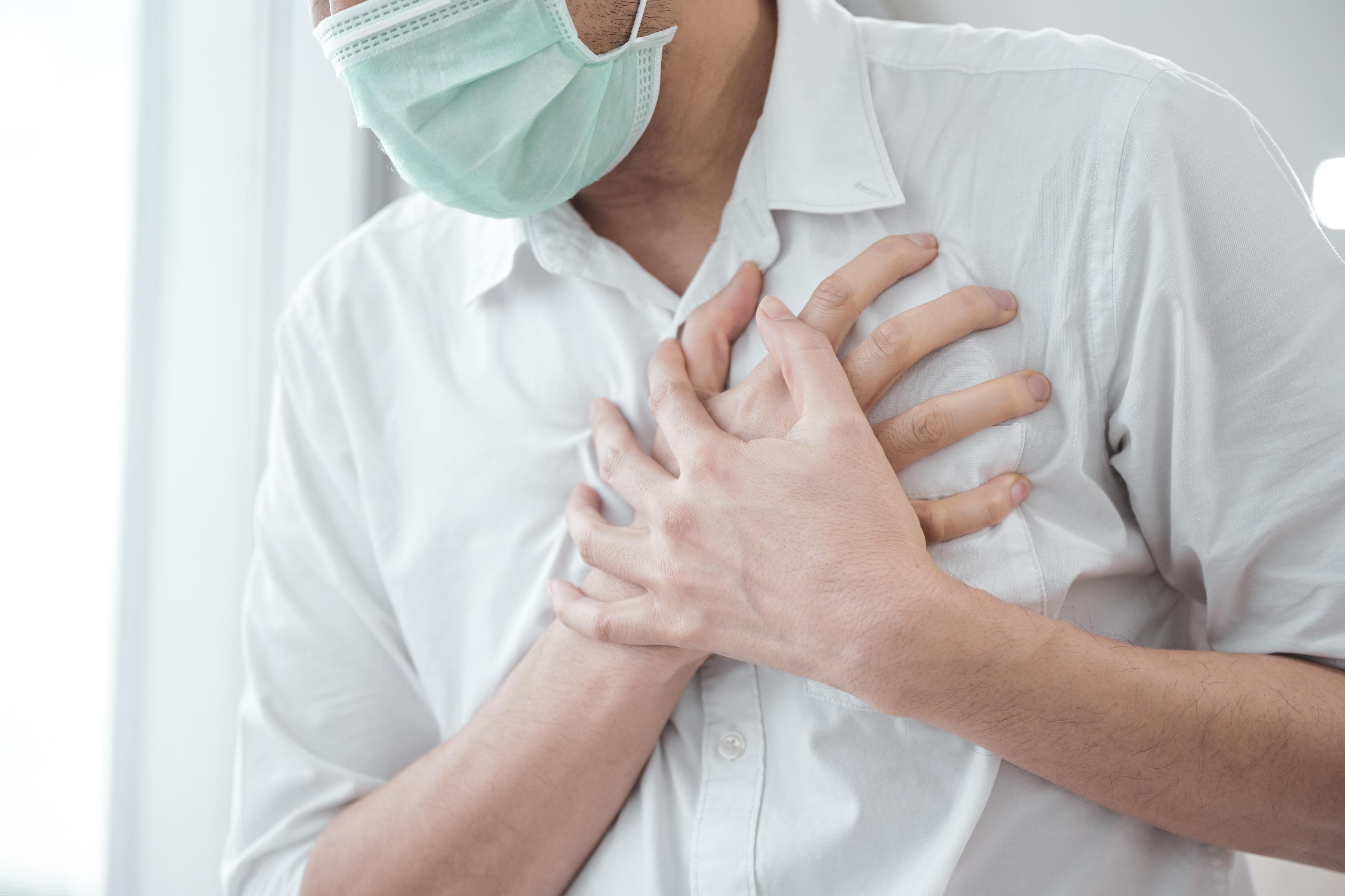 Ce pacienți au riscuri de a dezvolta complicații cardiovasculare în urma infecției cu SARS-COV2