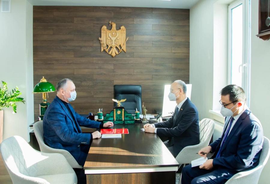 Igor Dodon vrea să aducă în Republica Moldova vaccinul Chinei împotriva COVID-19