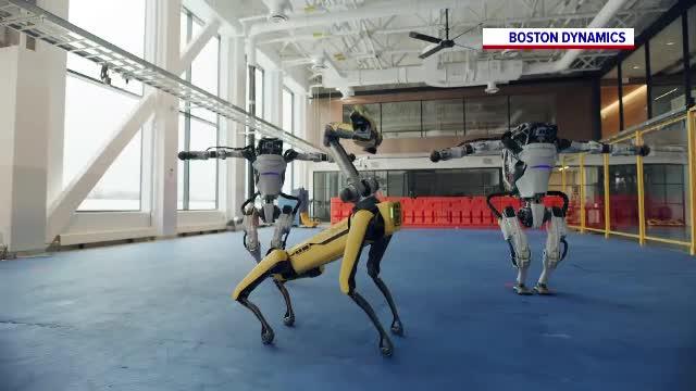 Cât a durat ca Boston Dynamics să-i învețe pe roboți să danseze în clipul ajuns viral
