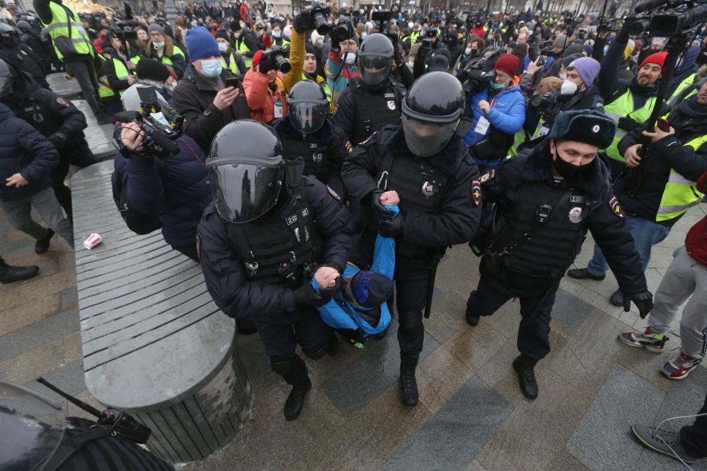 Proteste violente față de arestarea lui Navalnîi pe tot teritoriul Rusiei. Peste 2.500 de persoane au fost reținute