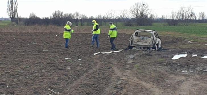 Poliția a stabilit identitatea bărbatului găsit carbonizat într-o mașină, lângă Timişoara. Cum s-ar fi produs tragedia