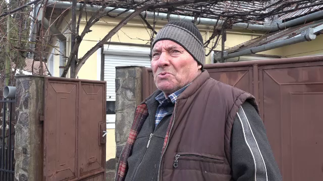 O femeie din Mureș a murit după ce casa i-a luat foc. Ipoteza unui vecin