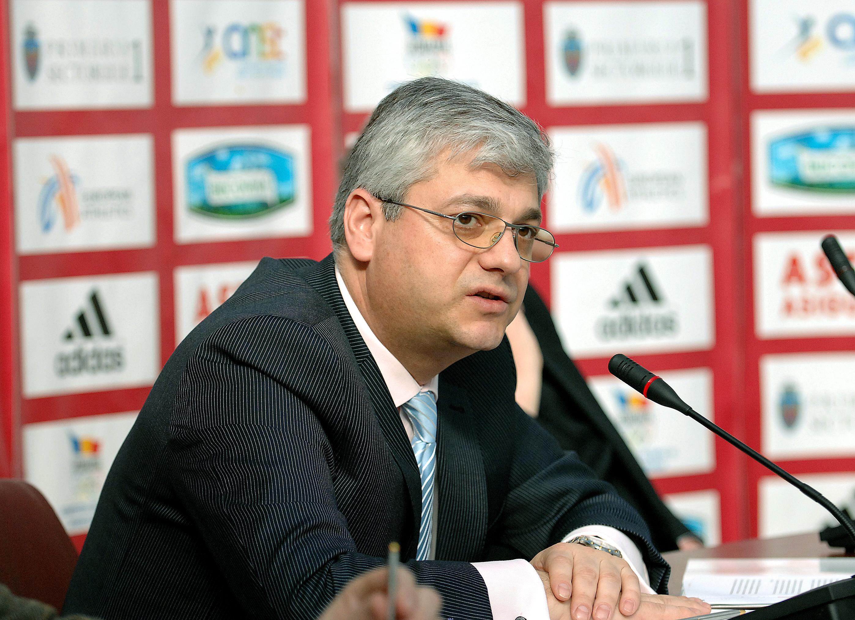 Fostul preşedinte al Astra Asigurări Radu Mustăţea, condamnat la 4 ani şi 8 luni închisoare pentru delapidare