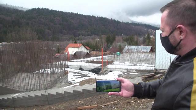 Un bărbat din Bușteni și-a reclamat vecinul pentru construcții fără autorizație, dar a fost amendat şi el