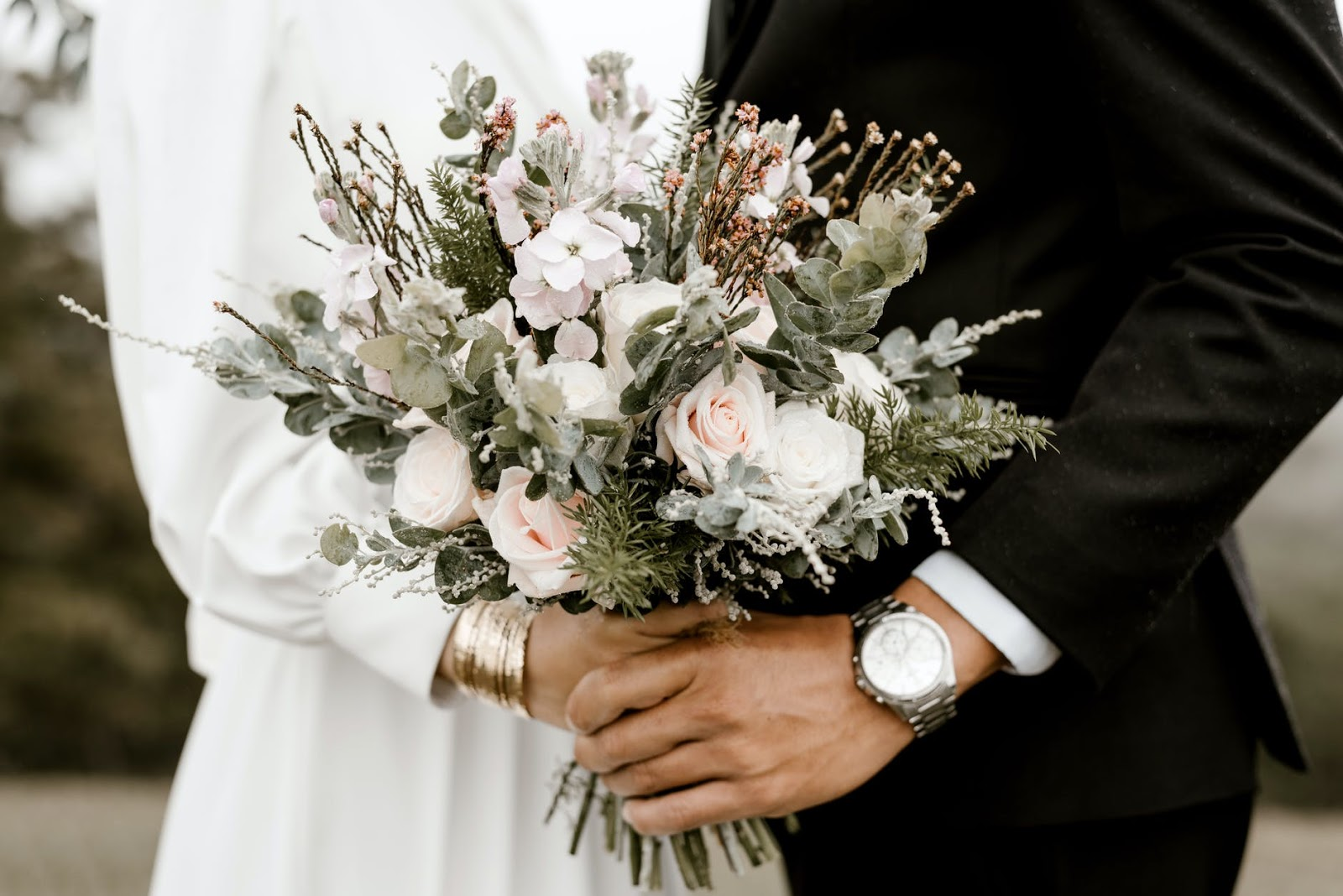 (P) Buchetul de mireasă compus din flori de primăvară. Tendințele anului 2021