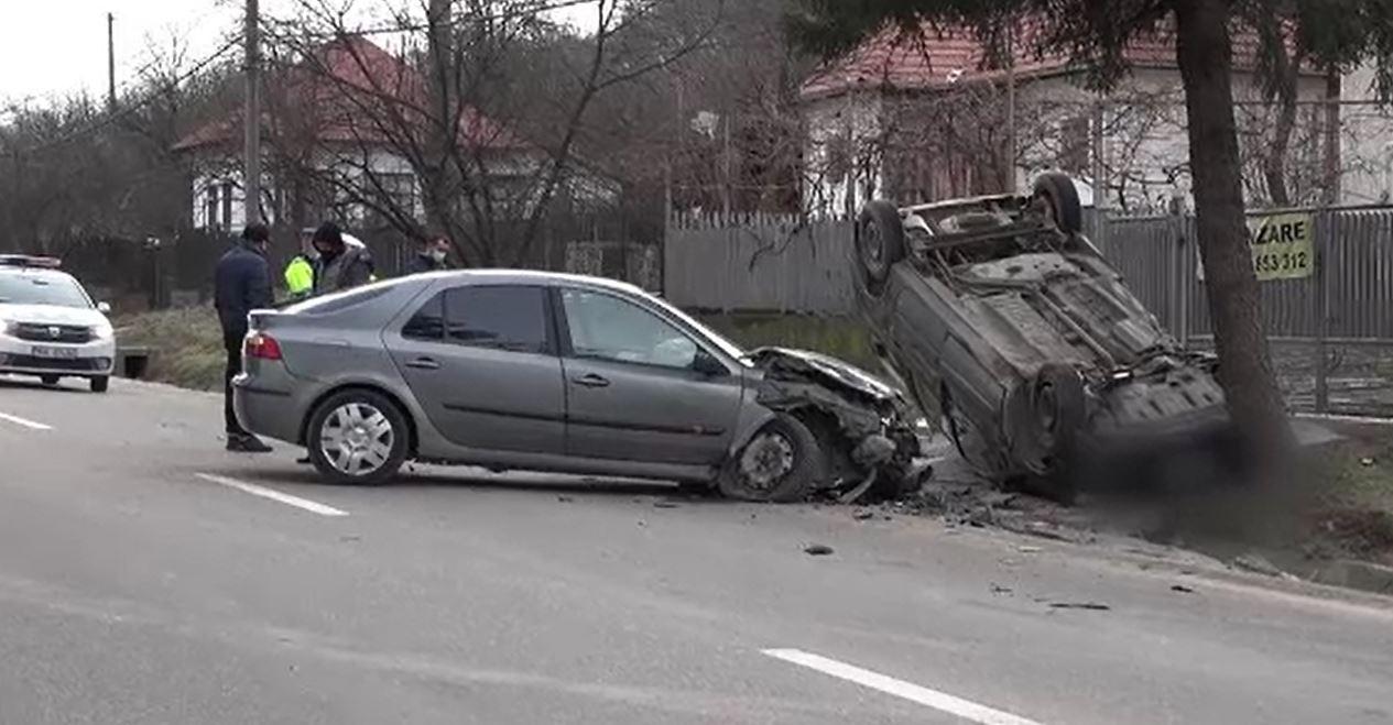 Accident violent în Câmpulung, din cauza unei femei care a virat fără să se asigure