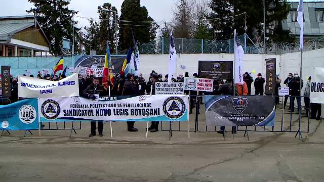 Protest la Penitenciarul Iași. Angajații cer plata orelor suplimentare și condiţii decente de muncă