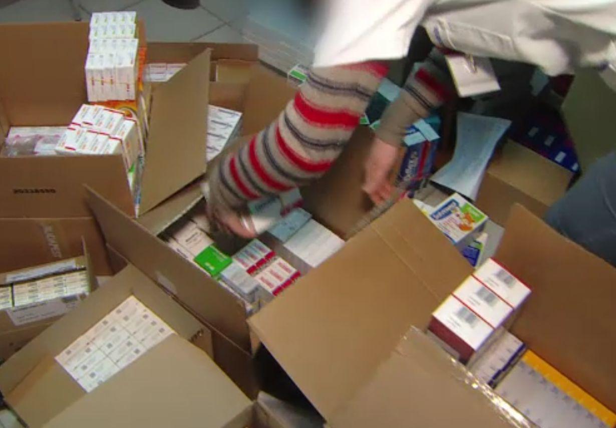 Medicamente de milioane de lei ajung la gunoi deoarece nu există reguli pentru returnarea lor