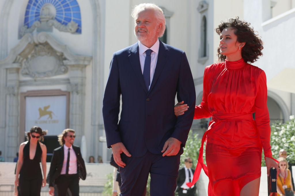 Tim Robbins divorțează de soția româncă. Nici nu se știa că se căsătorise cu Grațiela Brâncuși