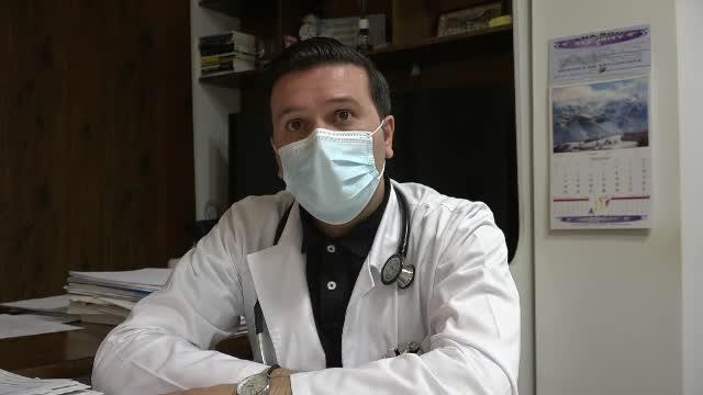 Medicul de la Rădăuți amendat că a vaccinat ilegal persoane spune de ce a aruncat la gunoi dozele rămase
