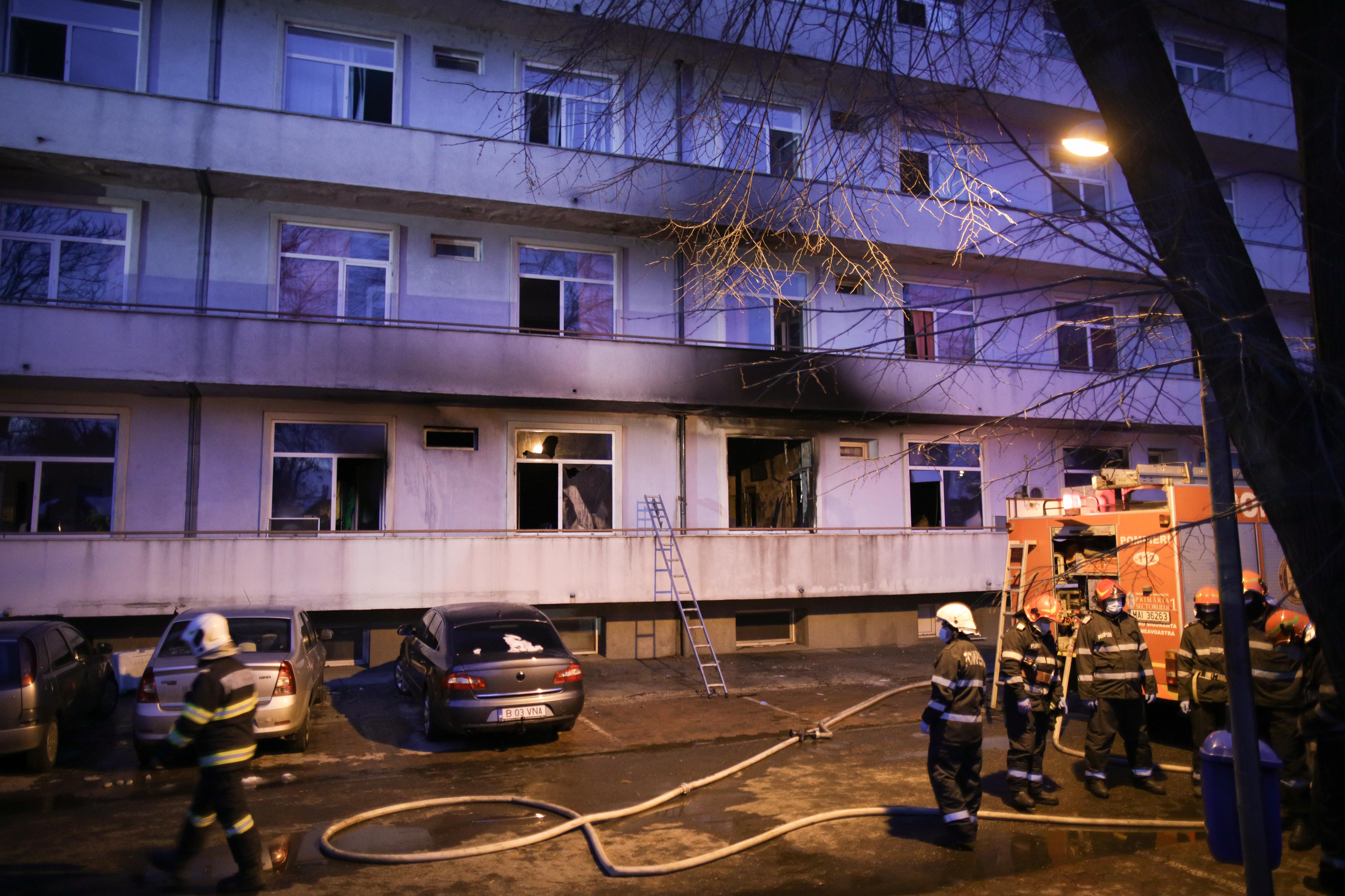 """Incendiu la spitalul Matei Balș. Comandantul pompierilor: """"Era o ardere generalizată"""""""