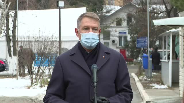 """Iohannis, la """"Matei Balş"""", unde 5 oameni au murit într-un incendiu: """"Îmi pare foarte rău"""""""