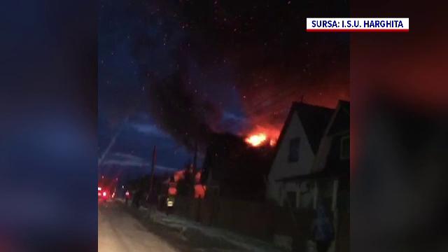 Incendiu de proporții la o casă din Harghita. De la ce a pornit totul. VIDEO