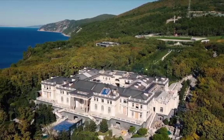 Un om de afaceri rus susține că el este proprietarul palatului despre care opoziția afirmă că este al lui Vladimir Putin